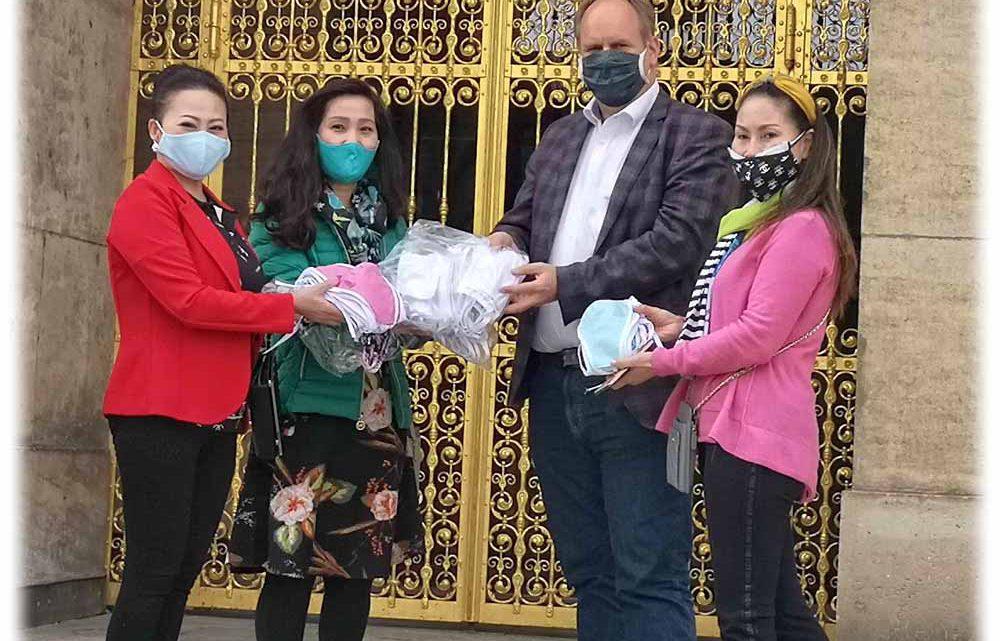 Vietnamesinnen nähen 10.000 Masken gegen Corona und spenden sie in Dresden