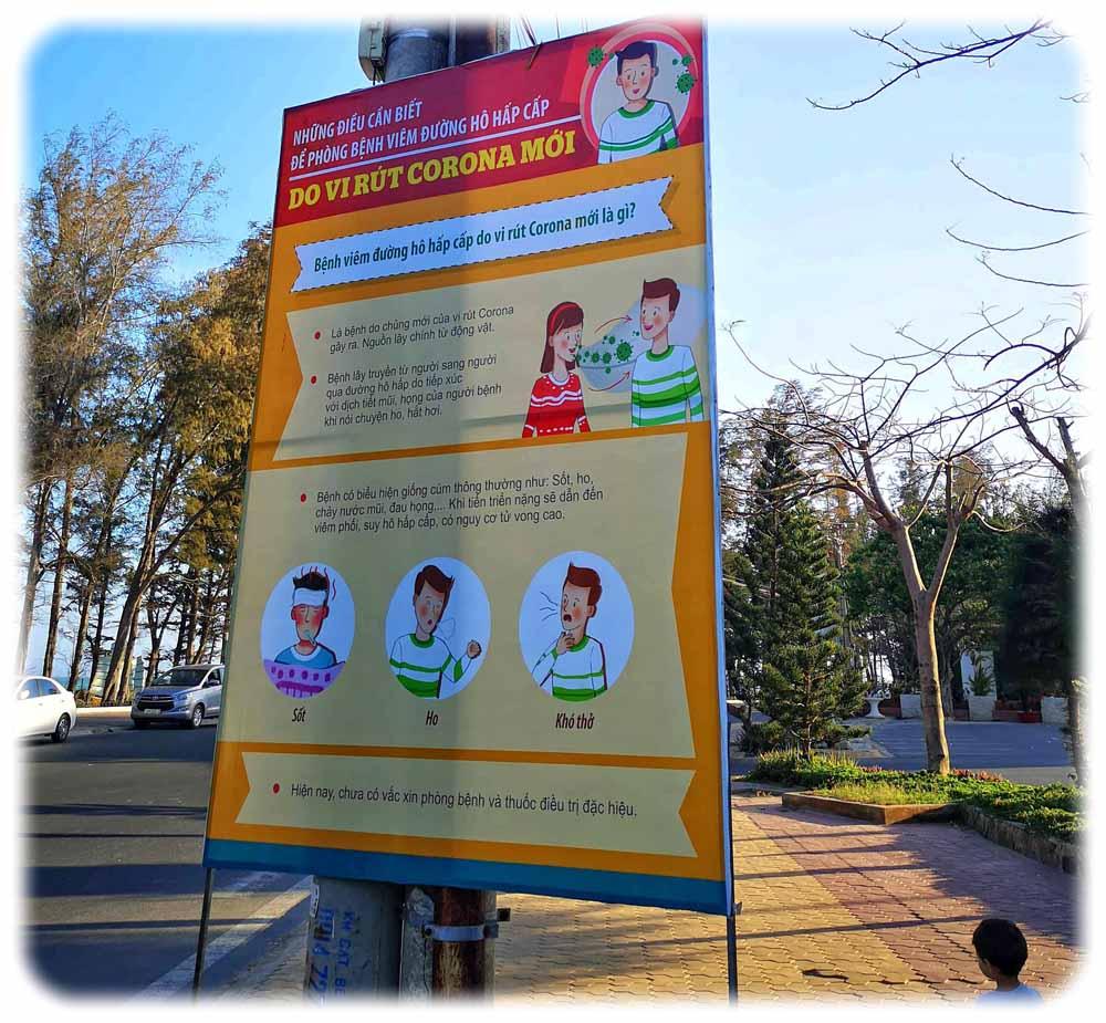 Wie hier in Phan Thiet hängten die Behörden an vielen Orten Handwasch-Plakate für den Corona-Schutz auf. Foto: Heiko Weckbrodt