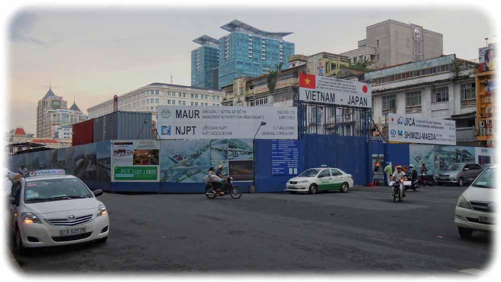 Liegt inzwischen deutlich hinter dem ursprünglichen Zeitplan zurück: Baustelle der U-Bahn-Linie 1 in Saigon alias Ho-Chi-Minh-Stadt. Foto: Ralf Dieselmann